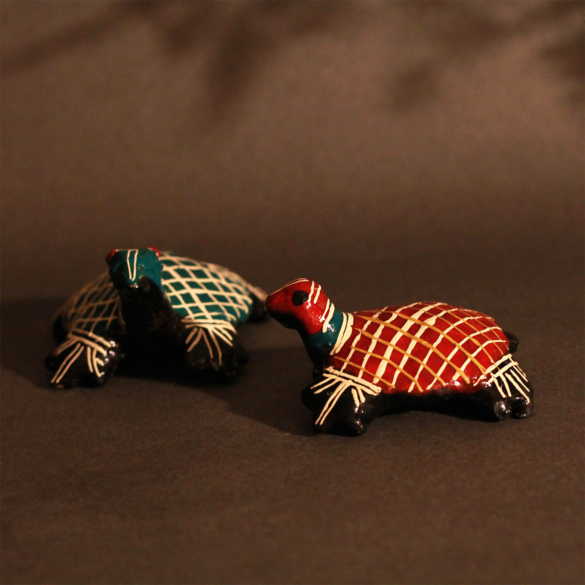Galar Putul / Shellac Dolls- Set of 2 Tortoise figures